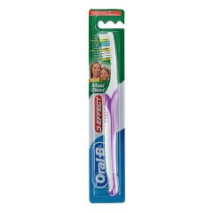 Зубная щетка ORAL-B 3-Effect Maxi Clean